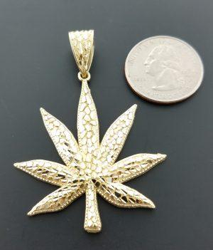 10k leaf pendant
